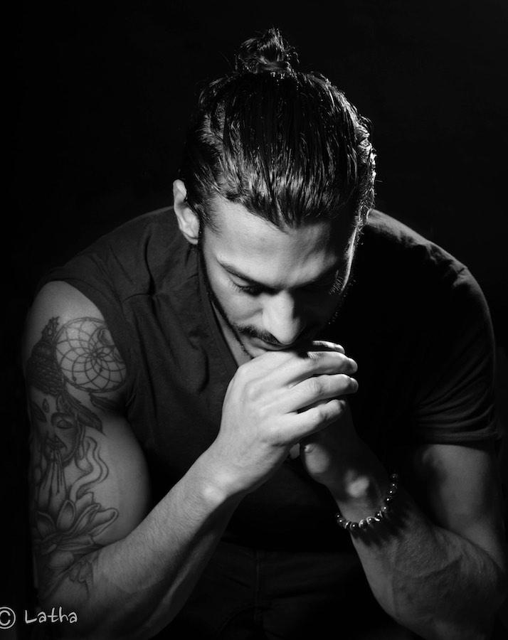 ©Latha Spelt - geen titel - man met tatoo