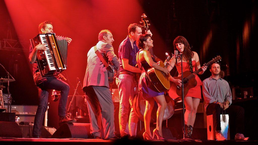 Concertfotografie - Norah Jones groepsfoto - ©Gerard Oonk