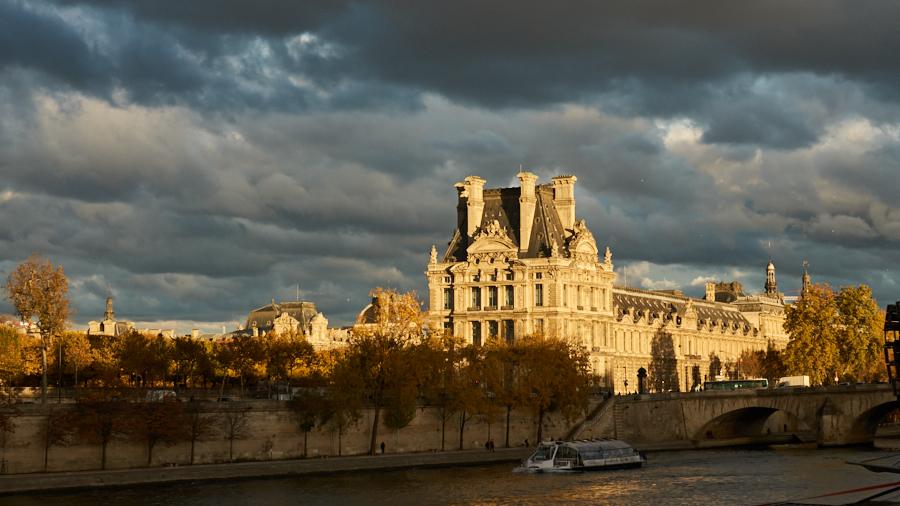Musée du Louvre bij avondlicht - ©Gerard Oonk - DSC08561